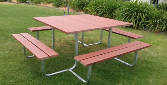 Outdoor seating1